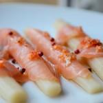 esparragos-blancos-con-salmon - Restaurante El Cruce - Alcalá del Júcar